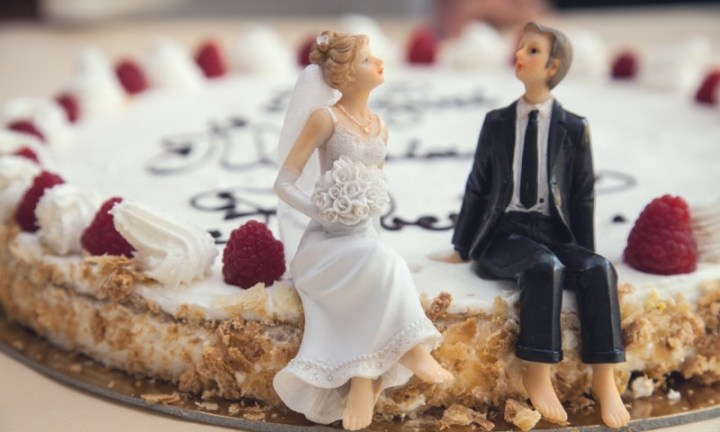 Couples That Gain Fat Together, Stay Together, Says Science